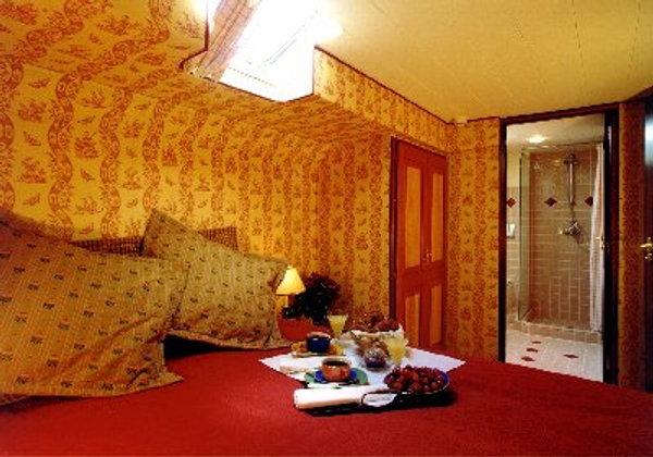 Red stateroom, Roi Soleil